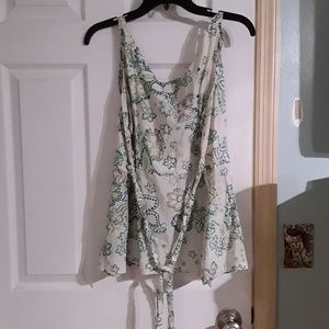 Pretty floral tank with tie details